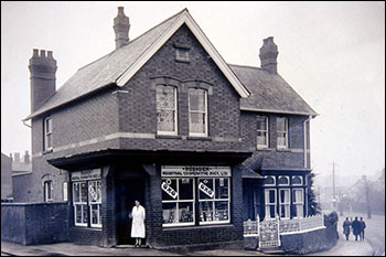 Higham Hill store in 1926