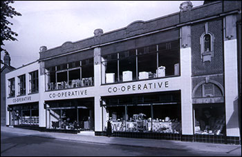 No 8 store in new livery 1960