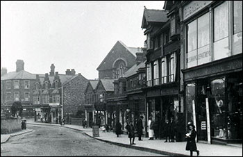 View of High Street from the drapery in about 1930