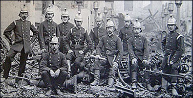 A picture of Rushden firemen in 1901 after Cave's fire