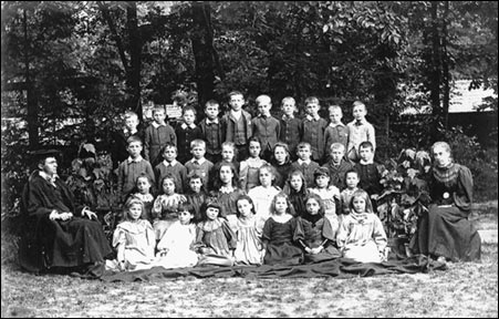 A class at South End School in about 1886