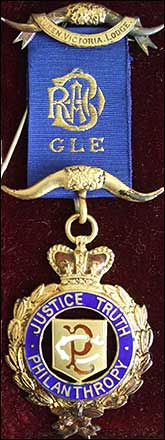 William Saby Knight's badge