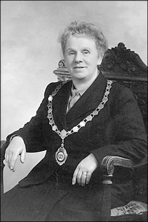 Alice as Chairman of the Council 1946