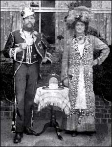 Jesse & Peggy in their outfits in 1906