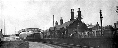 Photograph of working Rushden Railway Station